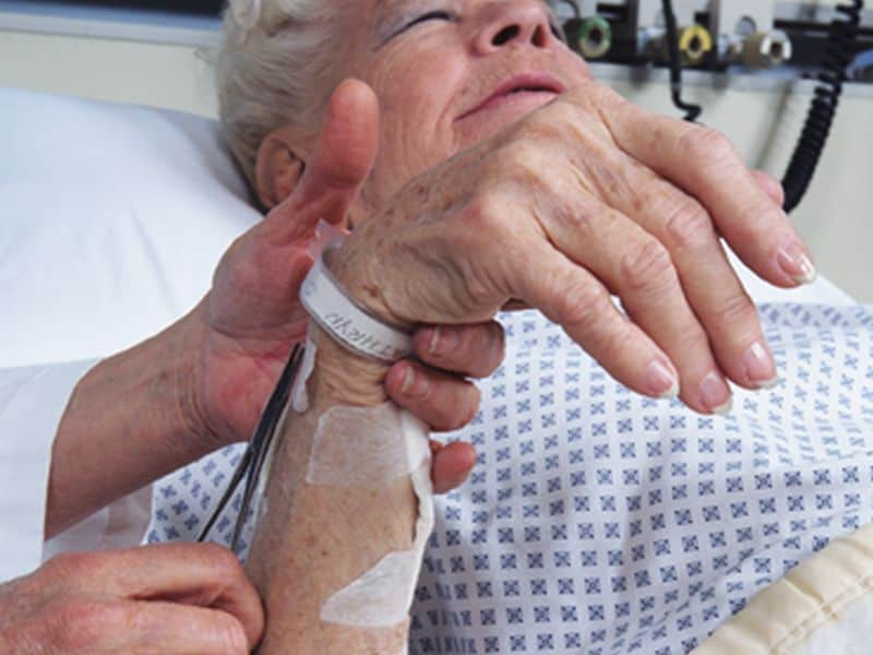Most Nurses Unsatisfied With Hospitals' End-of-Life Care