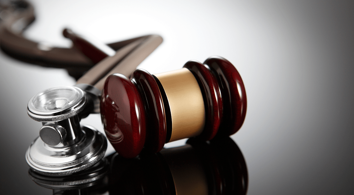 gavel-stethoscope-law-malpractice-lawsuit
