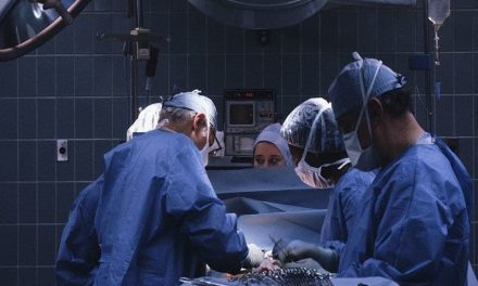 Overlapping Orthopedic Surgery Noninferior for Patient Safety