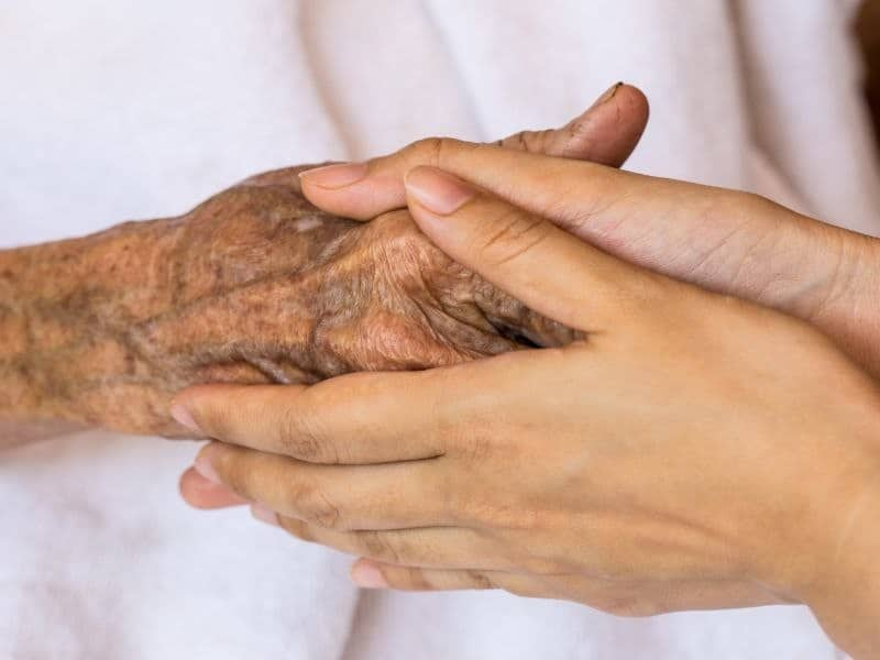 Family Involvement Cuts Postop Delirium in Older Patients