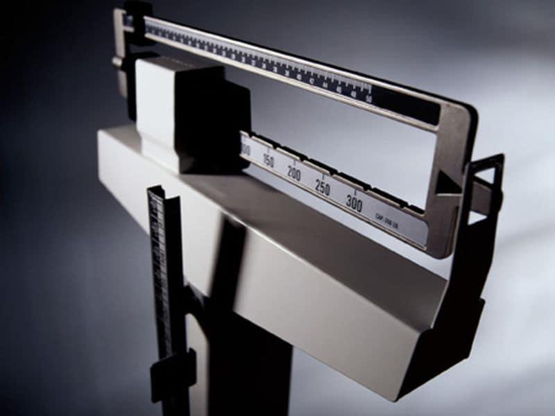 Weight Gain, Loss in Seniors May Increase Risk for Dementia
