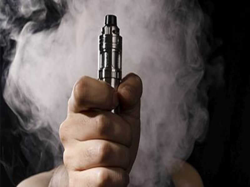 Vaping Industry Group Sues to Delay FDA Review of E-Cigarettes