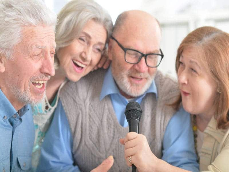 More Social Contact at Age 60 Linked to Lower Dementia Risk
