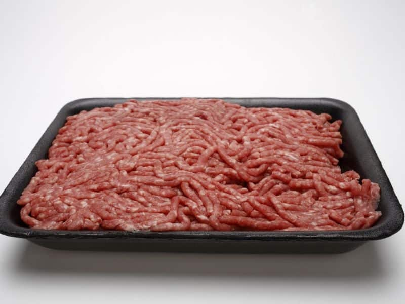 CDC: 1 Dead, 8 Hospitalized in <i>Salmonella</i> Outbreak Tied to Ground Beef