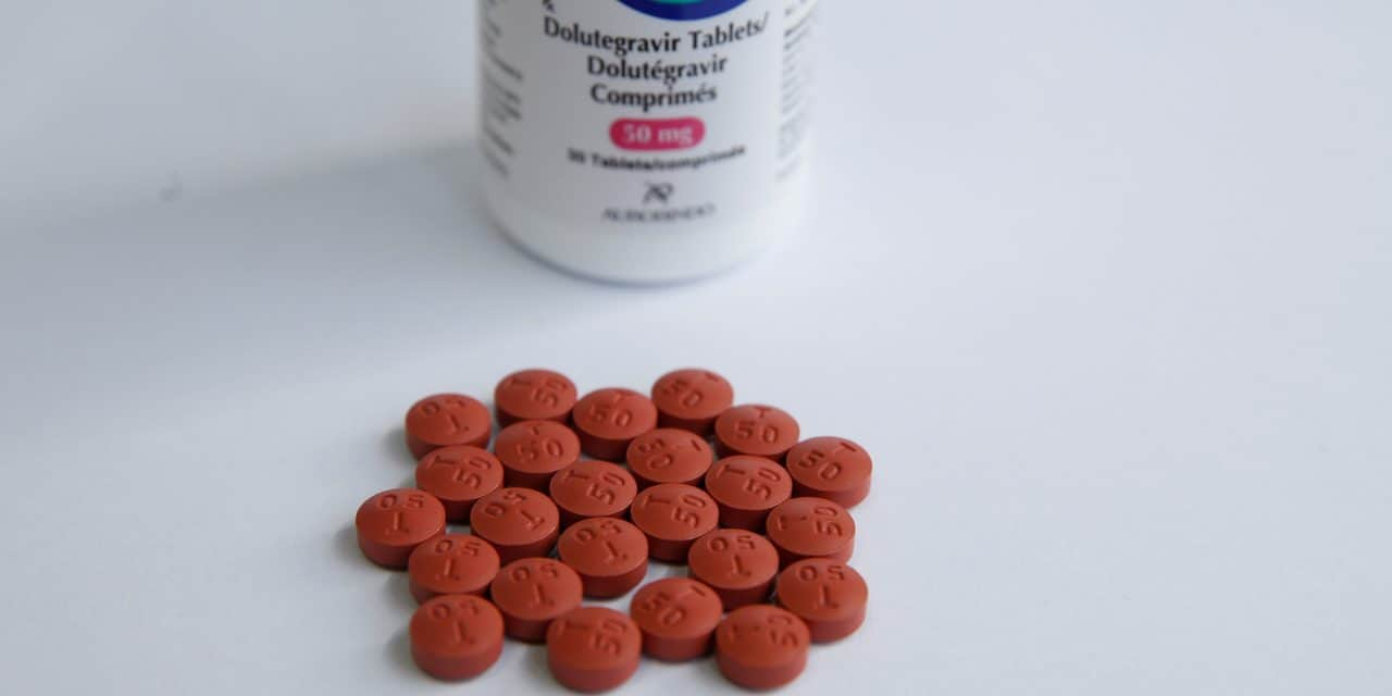 GSK takes billion-dollar drug fight with Gilead to top AIDS meeting