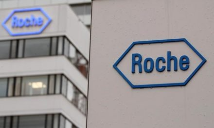 Roche pays $2.4 billion for rest of cancer expert Foundation Medicine