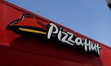 Pizza Hut pledges to drop some chicken antibiotics by 2022