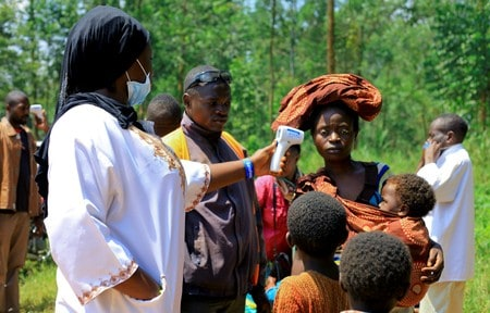Congo starts vaccinating health workers against Ebola