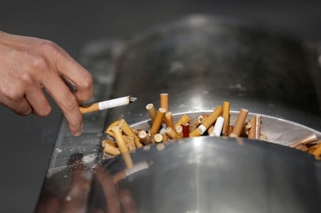 Chemical in cigarette smoke may damage important aspect of vision