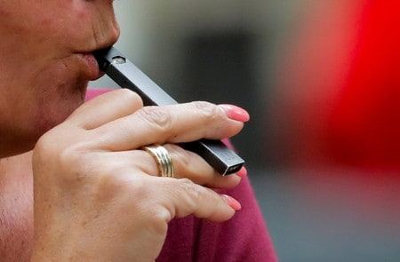 In crackdown, U.S. FDA seeks details on new electronic cigarettes
