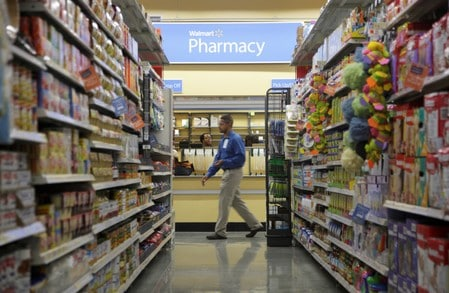 Walmart to test programs for U.S. workers to cut its healthcare costs