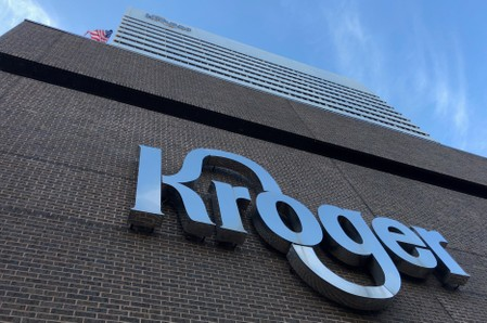 Kroger, Walgreens to stop sales of e-cigarettes amid U.S. vaping crackdown