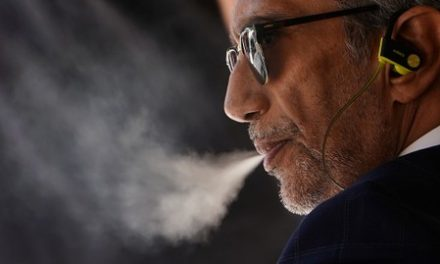 U.S. vaping-related deaths rise to 42, cases of illness to 2,172