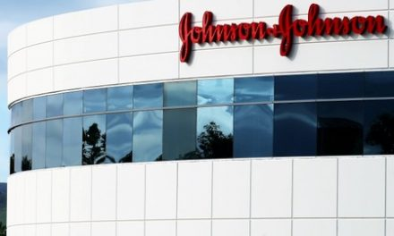 J&J, plaintiffs 'close' to deal on Pinnacle hip implant lawsuits: lawyer