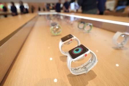 Apple Watch detects irregular heart beat in large U.S. study