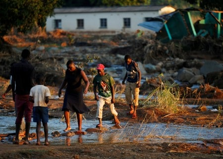 Factbox: Cyclone Idai's death toll stands at 847, cholera cases rise