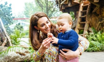 Back to nature: UK Duchess Kate shows off garden skills at Chelsea Flower Show