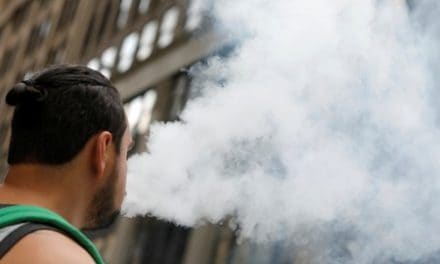 U.S. cuts vaping-related illness total under refined case definition