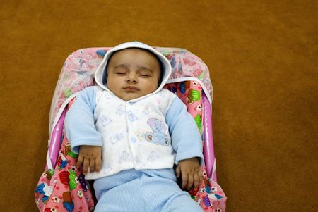 Sleep difficulties are perfectly normal for babies, study confirms