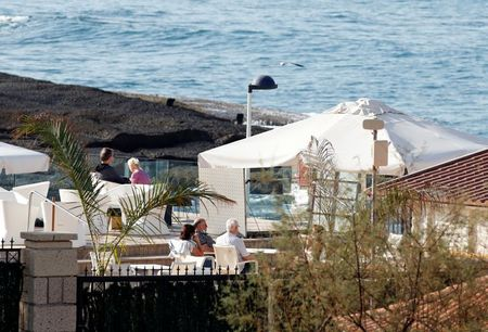 Some Tenerife hotel guests head to airport after coronavirus tests