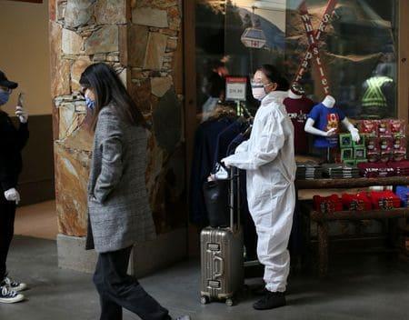 In bid to slow coronavirus, Canada shuts borders to foreign nationals