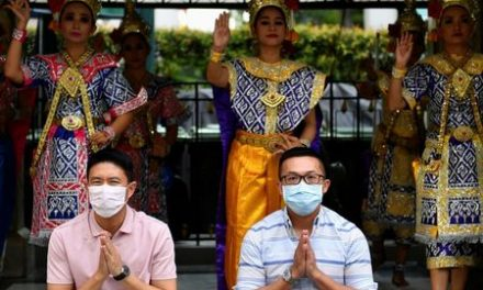 Thailand closes schools, bars, puts off holiday to fight coronavirus