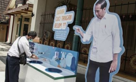 Indonesia to limit people's mobility as study warns of surge in coronavirus deaths