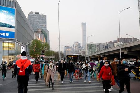 China reports no new coronavirus deaths as cases decline