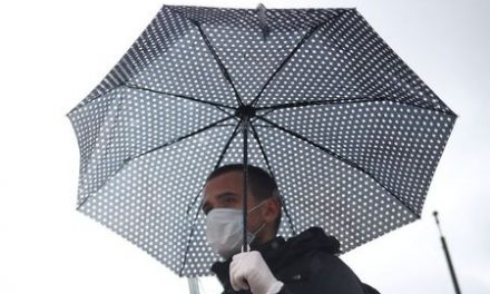 UK scientists say face masks have only small effect on coronavirus spread